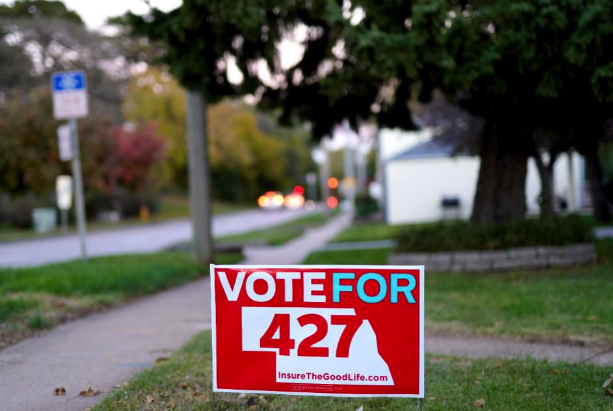 Vote for 427 sign in front yard